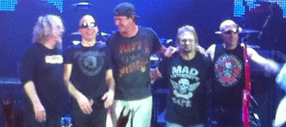 Chad Smith retrouve ChickenFoot