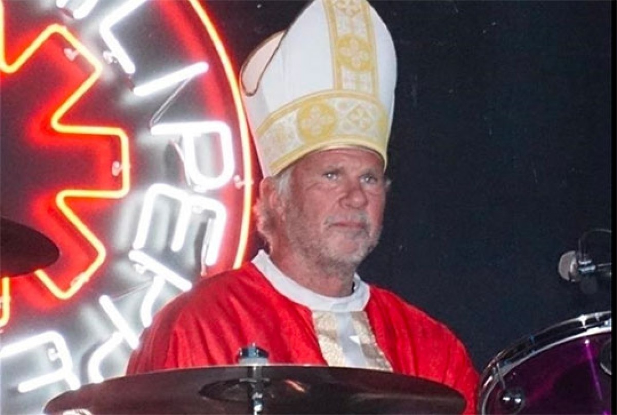 Chad Smith @ Maroon 5 Halloween Party