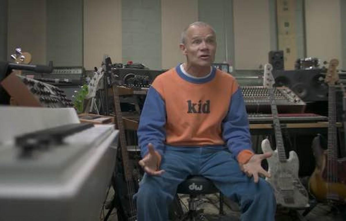"""Flea dans le documentaire """"What Drives Us"""""""